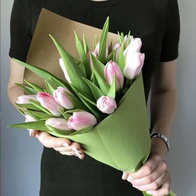 15 розовых тюльпанов микс