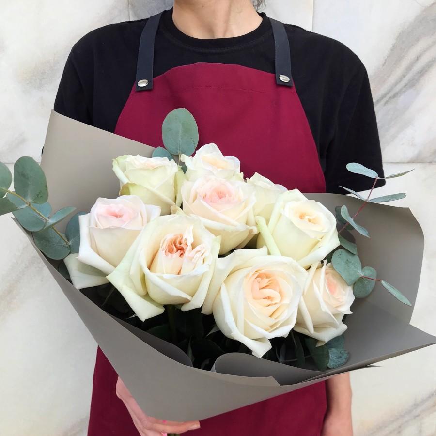 Букет из 9 роз, светлого оттенка