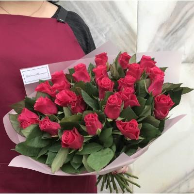 Букет из 27 малиновых роз